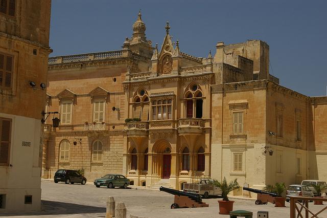 Otra forma de descubrir la Historia de Malta palacios, albergues y residencias privadas 2ª parte